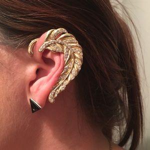 Candys stylish ear cuff